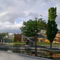 4/28/2013 tarihinde Krisztina B.ziyaretçi tarafından Millenáris park'de çekilen fotoğraf
