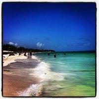 Foto tomada en Kool Beach Club por Hernan C. el 6/15/2013