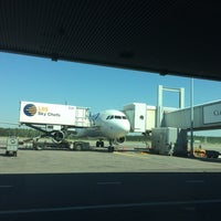 Photo taken at flybe BE5535 by Esko Juhani H. on 5/23/2014