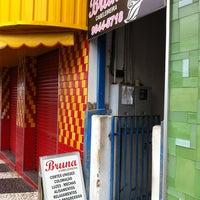 Photo taken at Bruna Cabelereira by Marcos Minoru H. on 12/31/2012