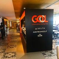 Foto tirada no(a) GOL Premium Lounge por Julian K. em 5/7/2017