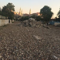 Photo taken at Saimekadın Banliyö İstasyonu by Nazik Y. on 10/7/2016