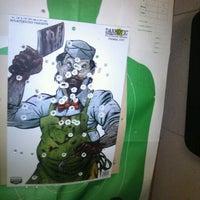 1/22/2013 tarihinde Kim S.ziyaretçi tarafından Bullseye Gun Range'de çekilen fotoğraf