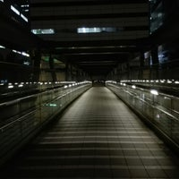 Photo taken at 希望の橋 (ブリッジ渋谷21) セルリアンタワー前歩道橋 by Woody L. on 8/30/2017
