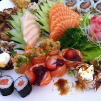 Photo taken at Sachô - Restaurante e Temakeria by Sandra S. on 9/29/2012