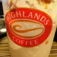 Photo taken at Highlands Coffee by Pauie G. on 7/19/2013
