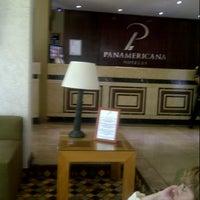 Foto diambil di Panamericana Hotel Providencia oleh Paula V. pada 12/27/2012