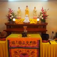 Photo taken at 观自在佛学会 Amitabha GuanZiZai Buddhist Society by WilL W. on 9/27/2013