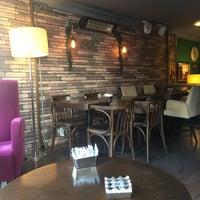 11/21/2017 tarihinde Burak A.ziyaretçi tarafından Caffè Lillia'de çekilen fotoğraf