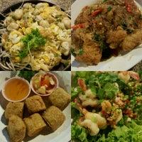 Photo taken at Thaveechai Restaurant by 🍻Purich🍷🍀 S. on 9/17/2016