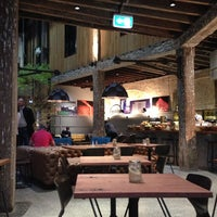 Photo taken at Ovolo 1888 Hotel Darling Harbour by valissa on 8/15/2013