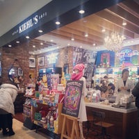 Photo taken at Kiehl's by Seong Tae L. on 12/24/2012