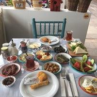 6/20/2017 tarihinde Deniz S.ziyaretçi tarafından Moresi Eskiköy Kahvaltı & Girit Mutfağı'de çekilen fotoğraf