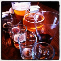 Photo taken at Dogfish Head Alehouse by Viqui D. on 7/6/2013