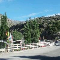 Foto tirada no(a) Camino Embalse El Yeso por Carlos T. em 11/25/2012