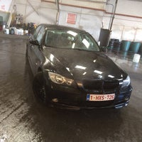 Photo taken at handcarwash number 1 by Jens D. on 12/4/2016