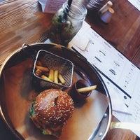 Снимок сделан в Ketch Up Burgers пользователем Михаил К. 7/5/2014