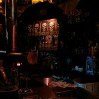 Das Foto wurde bei Irish Pub von becki am 10/27/2015 aufgenommen