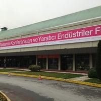รูปภาพถ่ายที่ Hilton Istanbul Convention & Exhibition Center โดย Karakedi เมื่อ 2/23/2013
