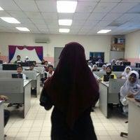 Photo taken at Sekolah Kebangsaan Serdang by Puteri N. on 5/11/2016