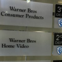 Photo taken at Warner Bros. Pictures by Susana G. on 11/15/2016