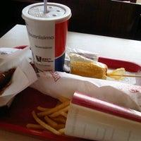 Photo taken at Kentucky Fried Chicken KFC by Bob E. on 4/13/2013