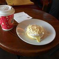 Photo taken at J.Co Donuts & Coffee by Edhie L. on 11/4/2014