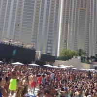 Photo taken at Tiësto @ Wet Republic by Raif .. on 6/7/2015