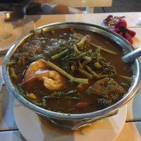 Photo taken at Hadsaengchan Resort & Restaurant by บ้านดงมะเดื่อ แ. on 2/17/2016