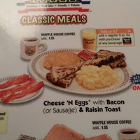 Photo taken at Waffle House by John P. on 4/23/2013