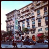 Photo prise au Montage Beverly Hills par Jon Paul P. le3/30/2013