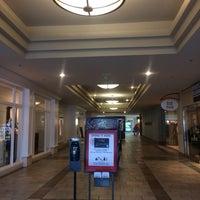 Das Foto wurde bei Oxmoor Center von Melanie R. am 8/29/2015 aufgenommen