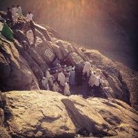 Photo taken at Al Nur Mountain - Hira Cave by amaysalkaabi on 11/15/2012