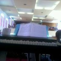 Photo taken at Igreja Batista Nova Filadélfia - Rocha Miranda by Israel R. on 11/10/2013