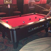 Foto tomada en McElroy's Pub por Carrie Rose S. el 6/18/2013