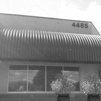 Design 1 Salon Spa on Plainfield