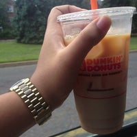 Photo taken at Dunkin' Donuts by Bella L. on 8/14/2013