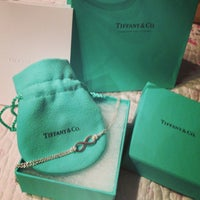 Foto scattata a Tiffany & Co. da Bella L. il 3/13/2013