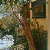 Foto tirada no(a) Sor Juana Café por Alyodin D. em 5/4/2015