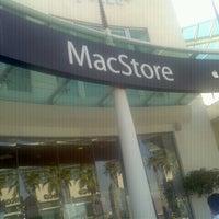 Photo taken at MacStore by Praneet Shivaji D. on 10/18/2012