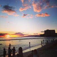 Снимок сделан в Aston Waikiki Beach Hotel пользователем OSAFUNE M. 9/17/2013