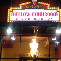 Photo taken at Mellow Mushroom by Bill R. on 11/28/2013
