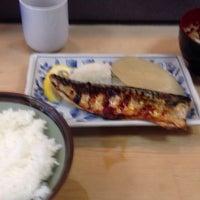 Photo taken at 魚幸 by Yoshiyuki K. on 8/30/2013
