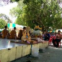 Photo taken at วัดราษฎร์เจริญ Wat Ratcharoen by  Vasit B. on 6/29/2014