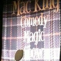 Foto tirada no(a) The Mac King Comedy Magic Show por Matthew C. em 10/30/2012