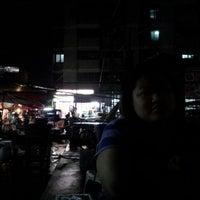 Photo taken at 7-Eleven by Civilize  Satellite ( E22HPS ) on 11/8/2013