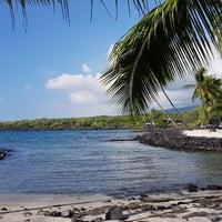 Photo taken at Hōnaunau Bay Puʻuhonua Pt. by Tolga E. on 11/9/2017