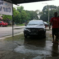 Photo taken at Andalas Car Care Saloon by Malan Neelendran on 7/26/2013
