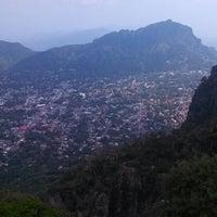 Foto tirada no(a) El Cerro del Tepozteco por Mariano V. em 7/11/2013