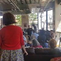 Foto scattata a Dudley Café da Erica T. il 7/9/2017
